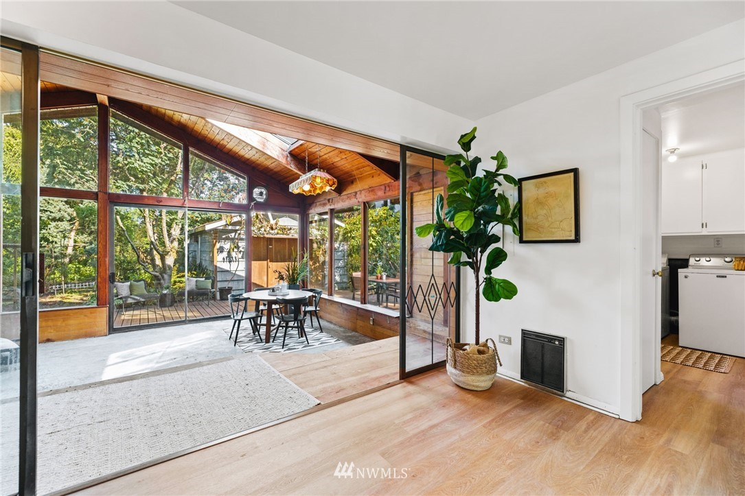 Sold Property | 8430 12th Ave SW Seattle, WA 98106 9