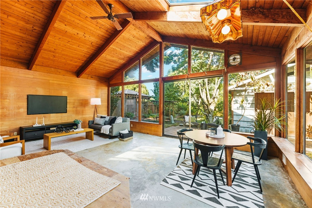 Sold Property | 8430 12th Ave SW Seattle, WA 98106 13