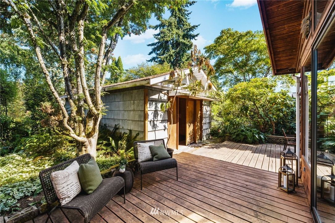 Sold Property | 8430 12th Ave SW Seattle, WA 98106 21