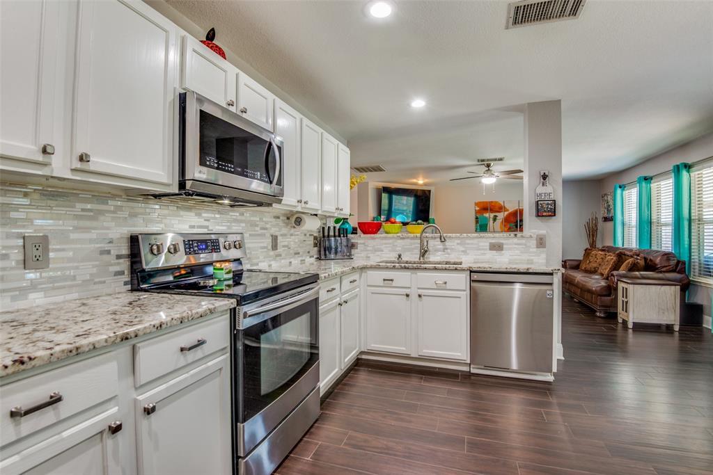 Sold Property | 1317 Cardinal Way Aubrey, Texas 76227 9