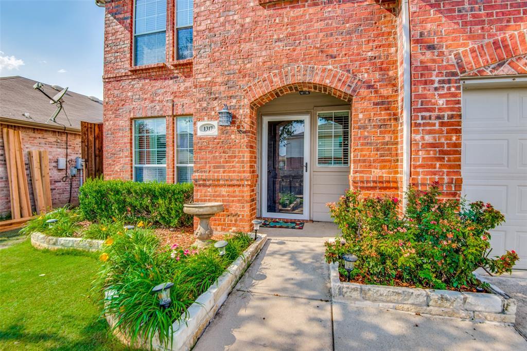 Sold Property | 1317 Cardinal Way Aubrey, Texas 76227 2