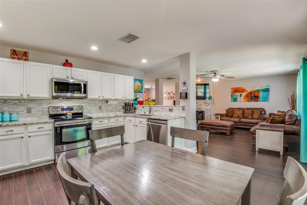 Sold Property | 1317 Cardinal Way Aubrey, Texas 76227 6