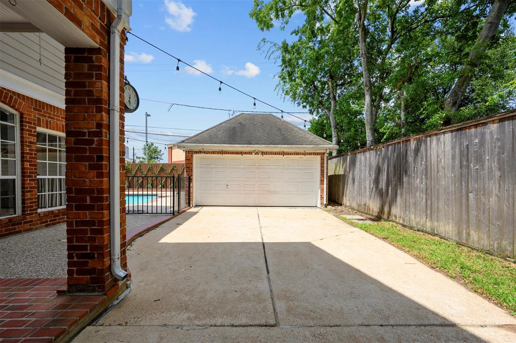 Off Market | 2120 Sul Ross Street Houston, Texas 77098 34