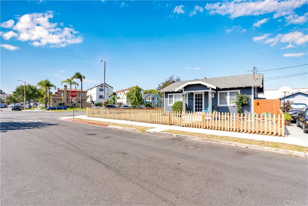 Active   2313 Andreo Avenue Torrance, CA 90501 2