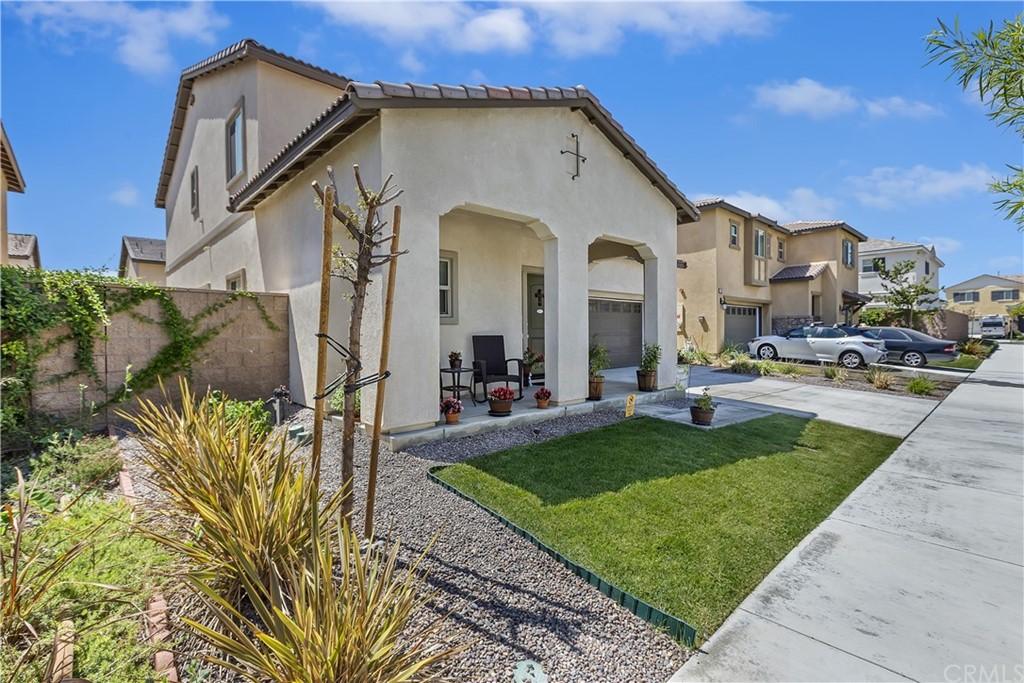 Active | 16751 Olive Tree Lane Fontana, CA 92336 3