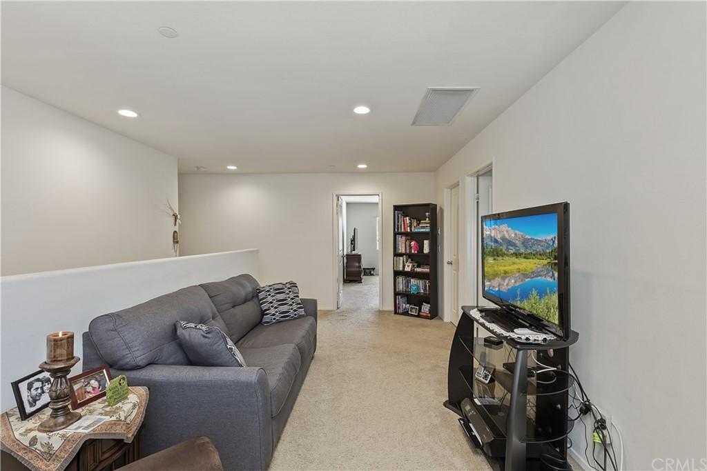 Active | 16751 Olive Tree Lane Fontana, CA 92336 22