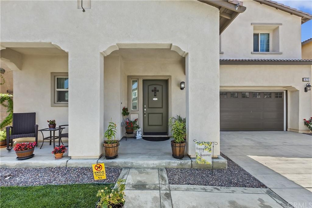 Active | 16751 Olive Tree Lane Fontana, CA 92336 5