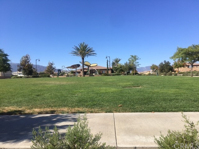 Active | 16751 Olive Tree Lane Fontana, CA 92336 43