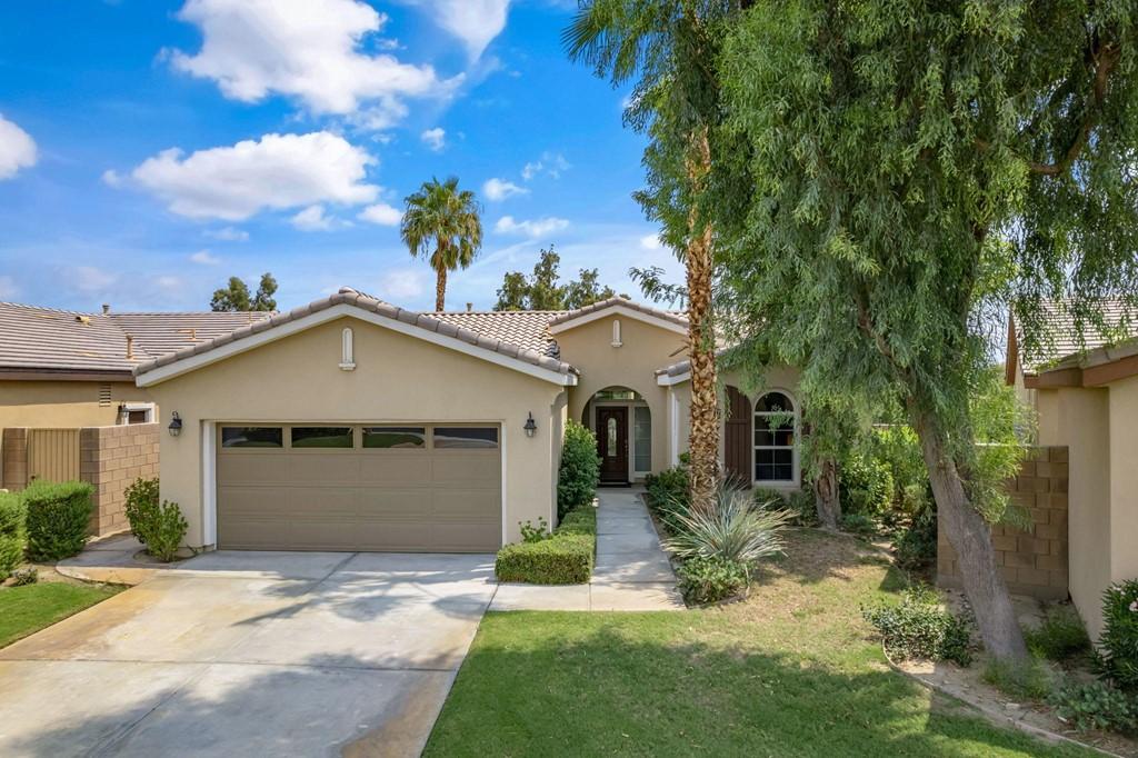 ActiveUnderContract | 61000 Living Stone Drive La Quinta, CA 92253 2