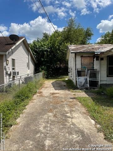 Active   904 ELDORADO ST San Antonio, TX 78225 4