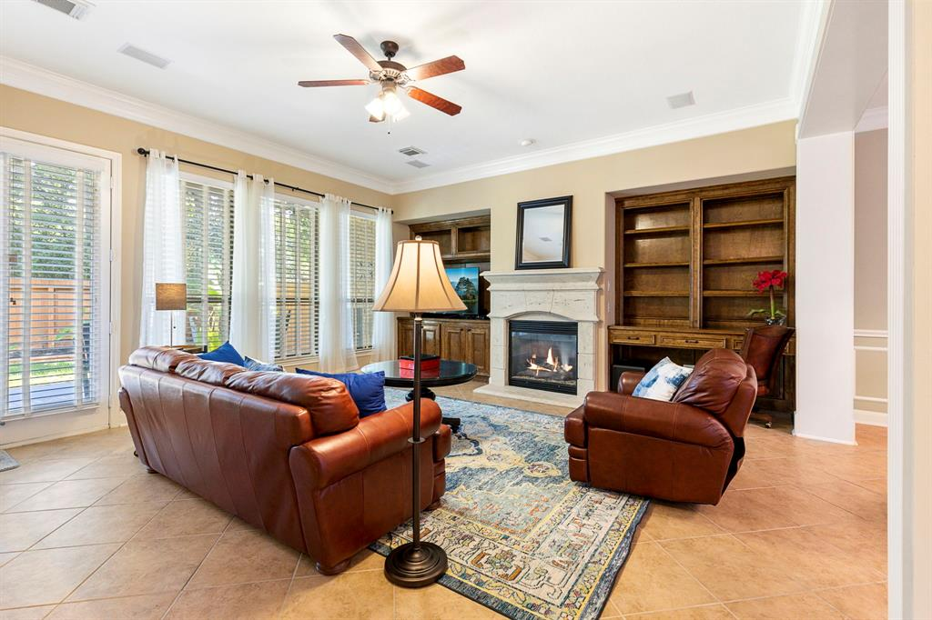 Active   95 S Knights Crossing Drive The Woodlands, Texas 77382 11