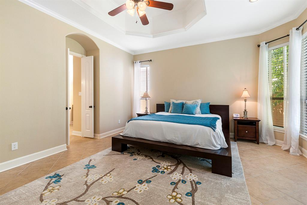 Active   95 S Knights Crossing Drive The Woodlands, Texas 77382 15