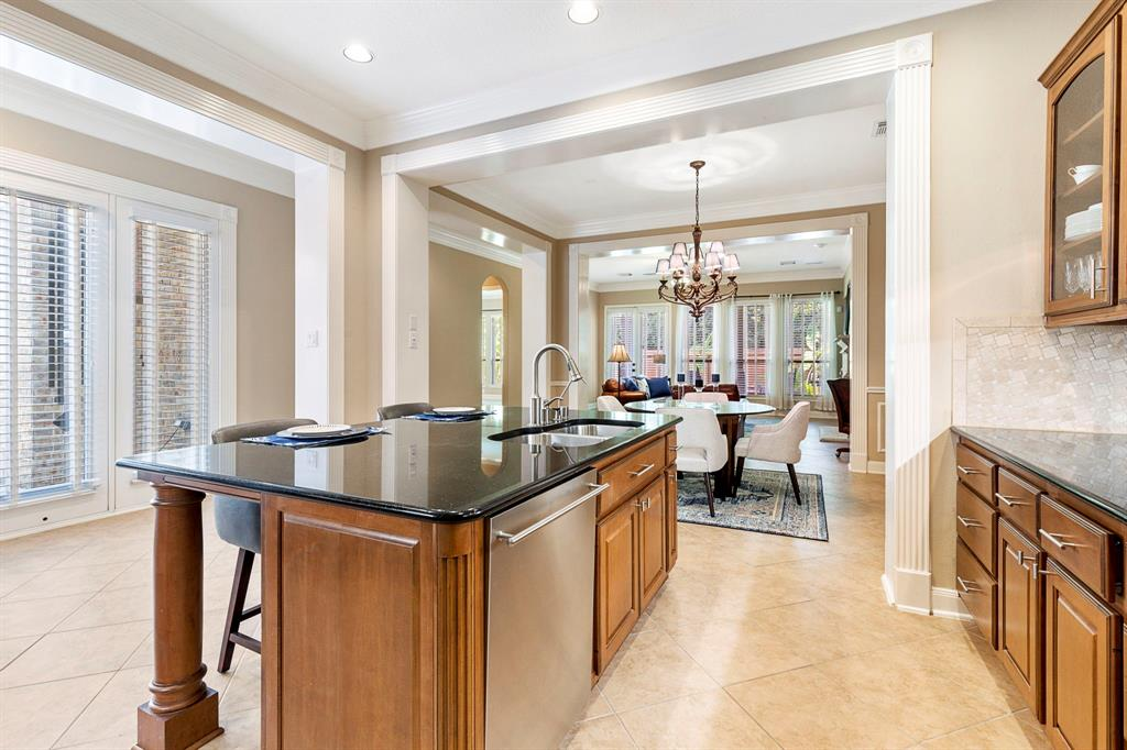 Active   95 S Knights Crossing Drive The Woodlands, Texas 77382 8