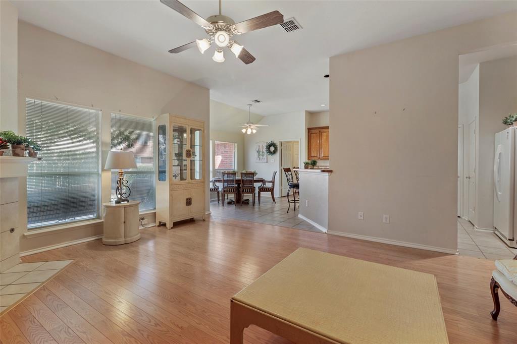 Pending | 560 Cooper Street Grand Prairie, Texas 75052 10