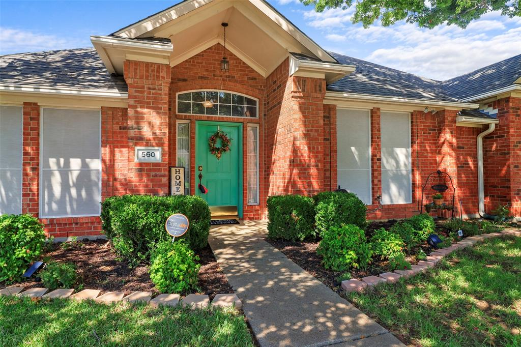 Pending | 560 Cooper Street Grand Prairie, Texas 75052 2