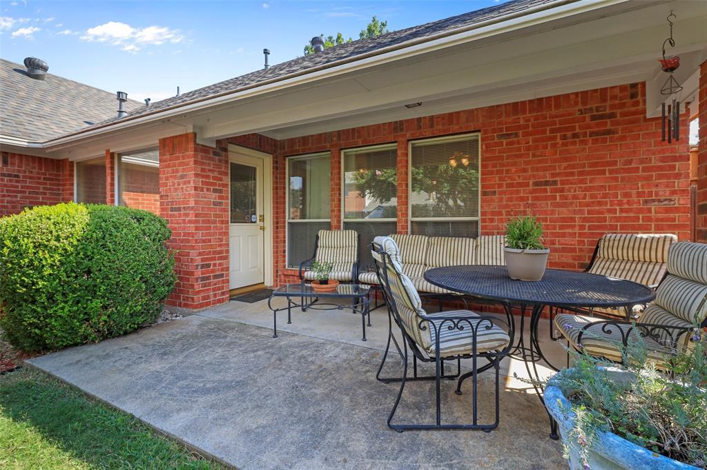 Pending | 560 Cooper Street Grand Prairie, Texas 75052 27