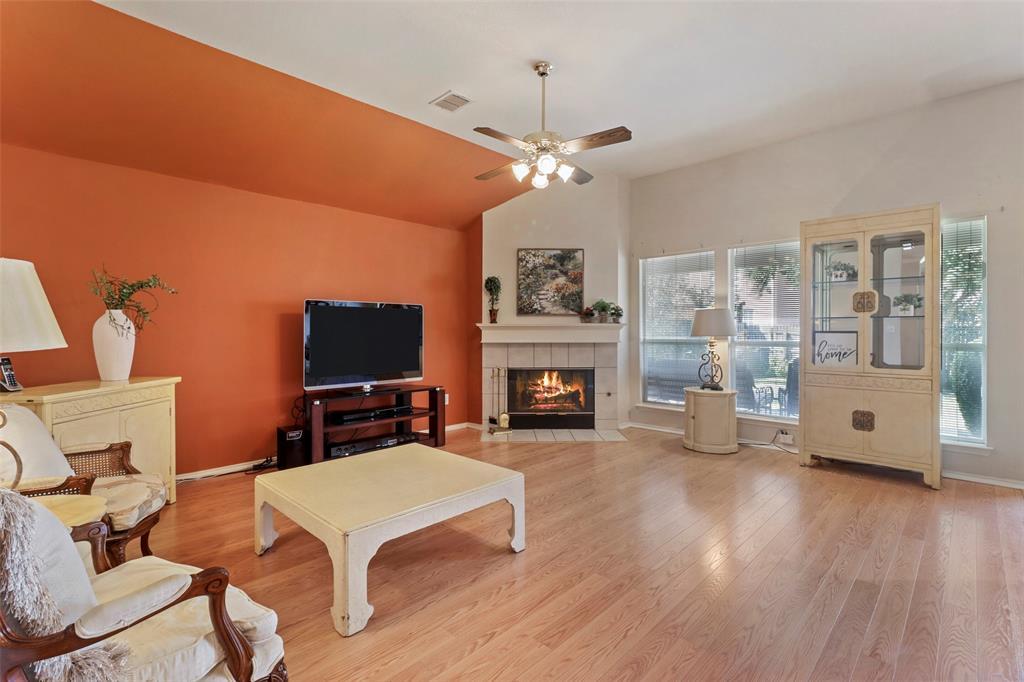 Pending | 560 Cooper Street Grand Prairie, Texas 75052 8