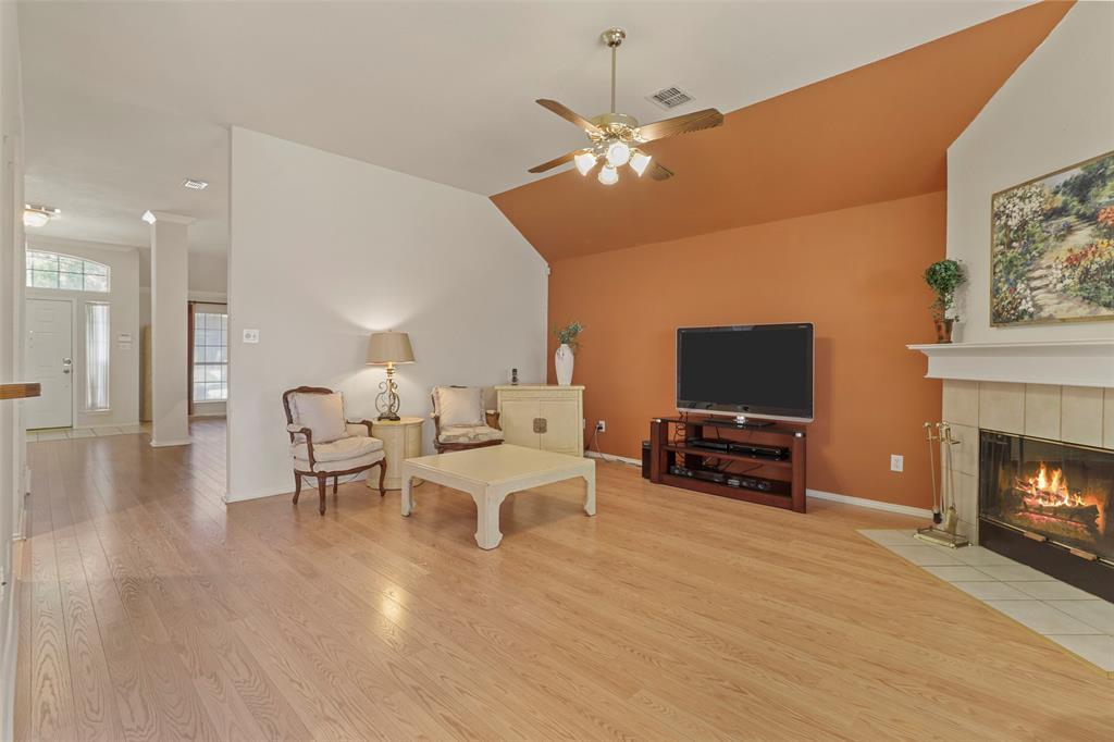 Pending | 560 Cooper Street Grand Prairie, Texas 75052 9