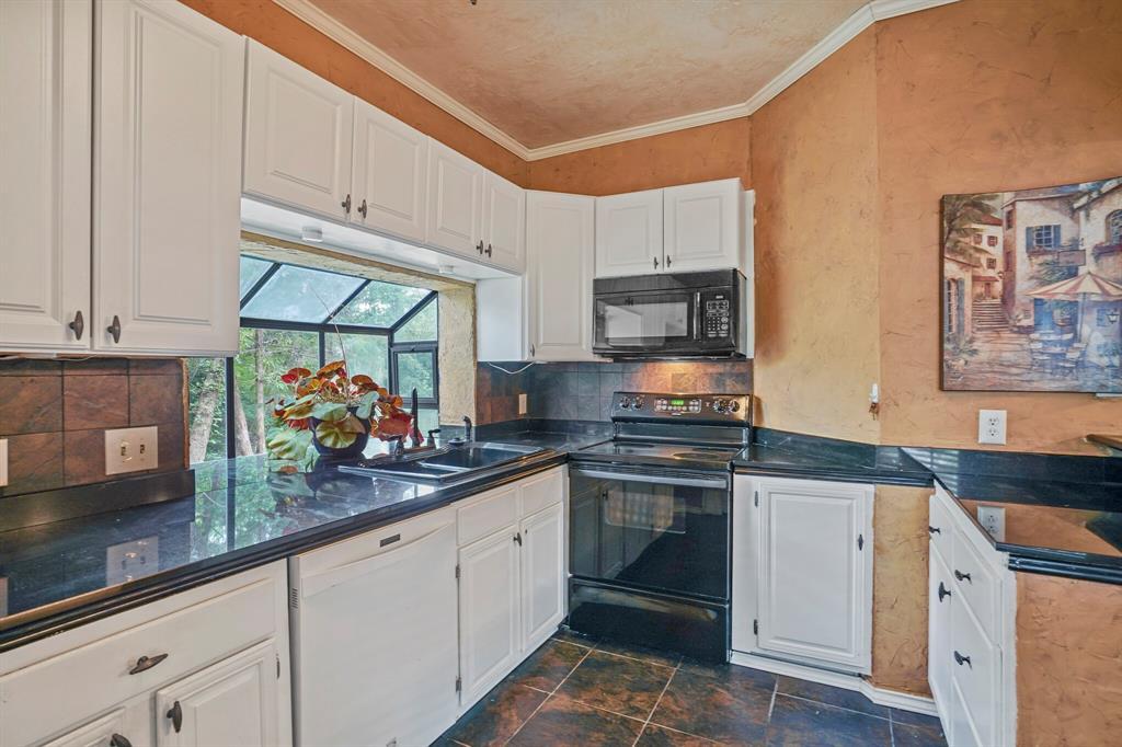 Sold Property   4522 Forestgate Circle Arlington, Texas 76017 16