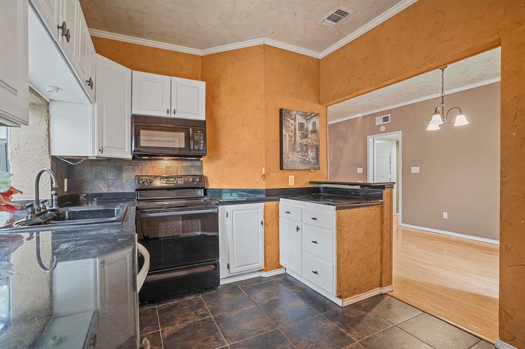 Sold Property   4522 Forestgate Circle Arlington, Texas 76017 17