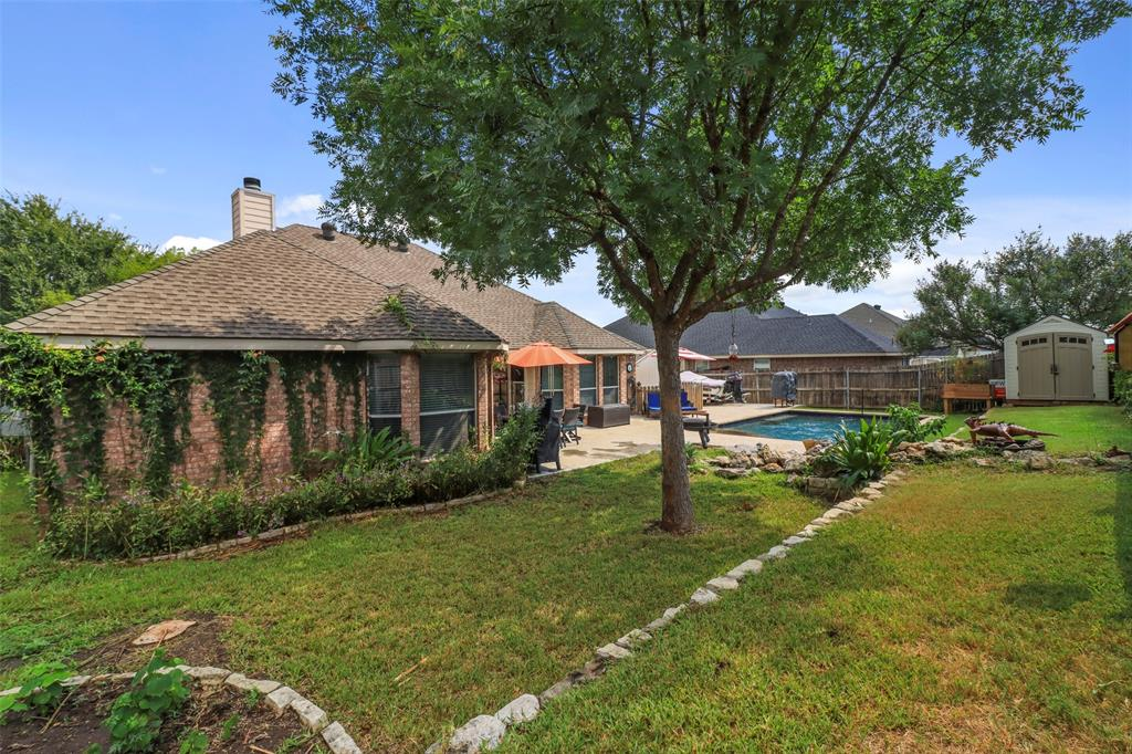 Pending | 118 Indian Paint Drive Justin, Texas 76247 10