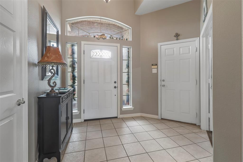 Pending | 118 Indian Paint Drive Justin, Texas 76247 11