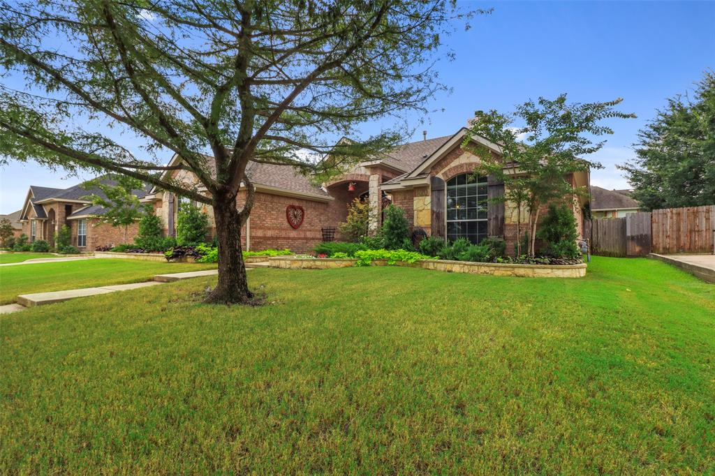 Pending | 118 Indian Paint Drive Justin, Texas 76247 2