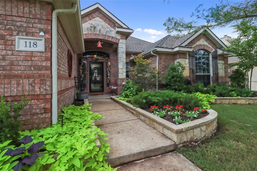 Pending | 118 Indian Paint Drive Justin, Texas 76247 4