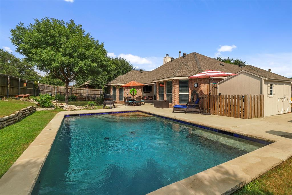 Pending | 118 Indian Paint Drive Justin, Texas 76247 5