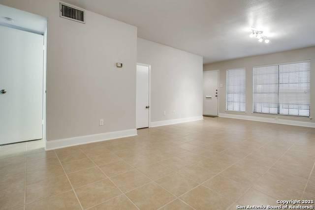 Active Option | 211 GRANDVIEW PL #7 San Antonio, TX 78209 1