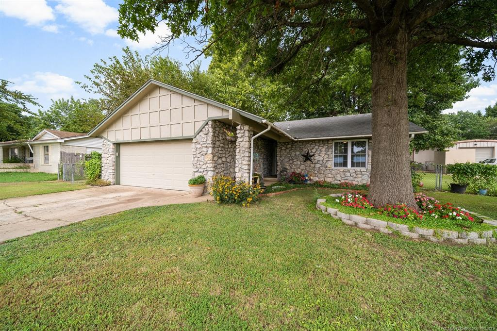 Off Market   13823 S Birch Street Glenpool, Oklahoma 74033 1