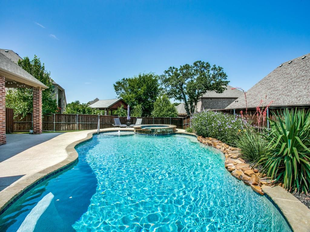 Pending   517 Fisher Drive Trophy Club, Texas 76262 37