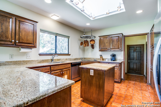 Pending   29358 Duberry Ridge Fair Oaks Ranch, TX 78015 14