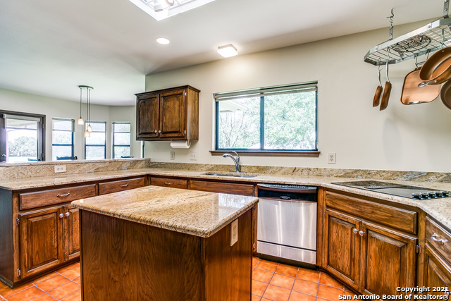 Pending   29358 Duberry Ridge Fair Oaks Ranch, TX 78015 16