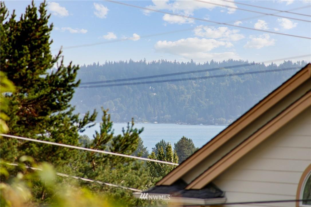 Sold Property | 9315 48th Avenue S Seattle, WA 98118 2