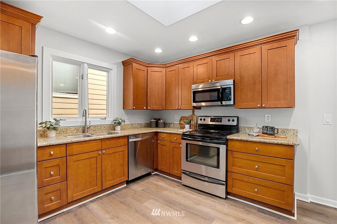 Sold Property | 9315 48th Avenue S Seattle, WA 98118 10