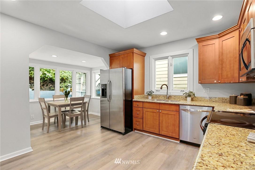 Sold Property | 9315 48th Avenue S Seattle, WA 98118 11