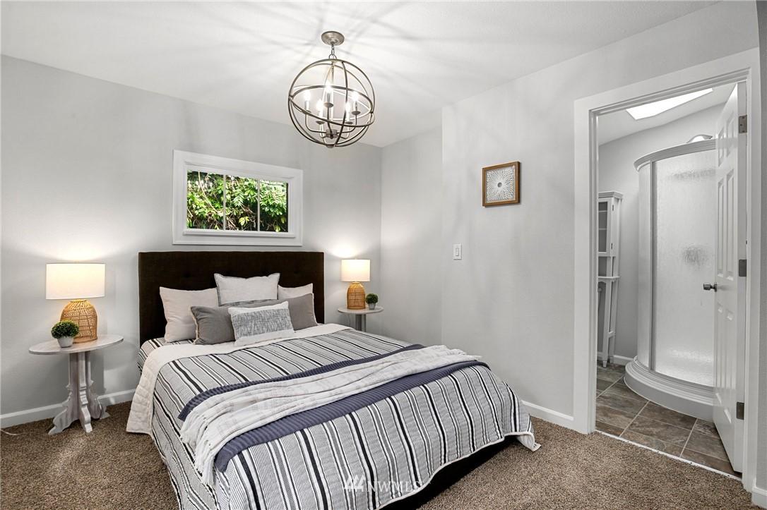 Sold Property | 9315 48th Avenue S Seattle, WA 98118 14