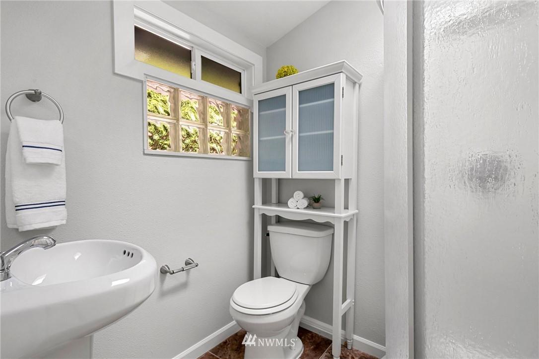 Sold Property | 9315 48th Avenue S Seattle, WA 98118 15