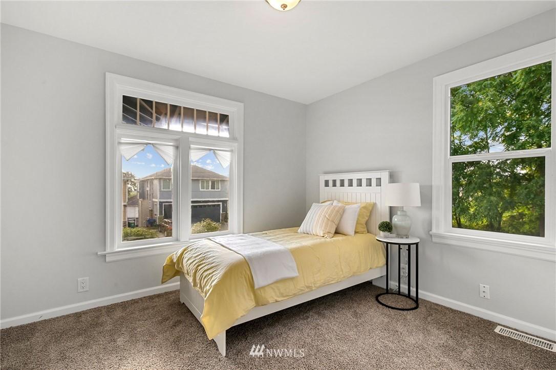 Sold Property | 9315 48th Avenue S Seattle, WA 98118 17