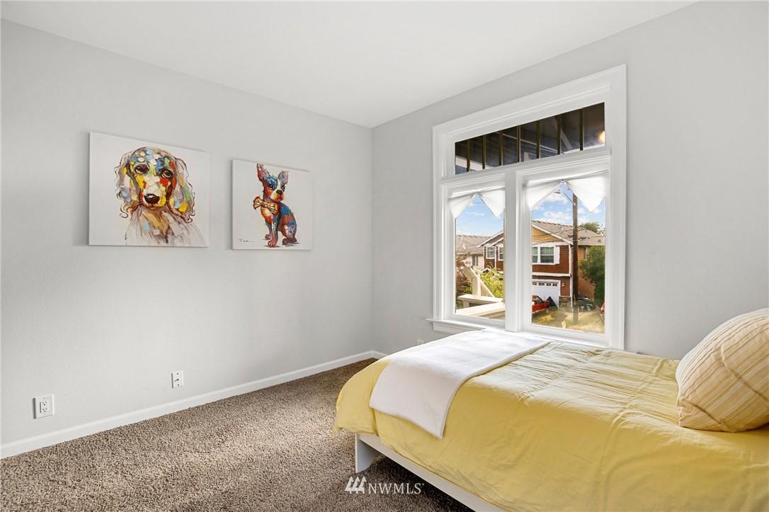 Sold Property | 9315 48th Avenue S Seattle, WA 98118 18