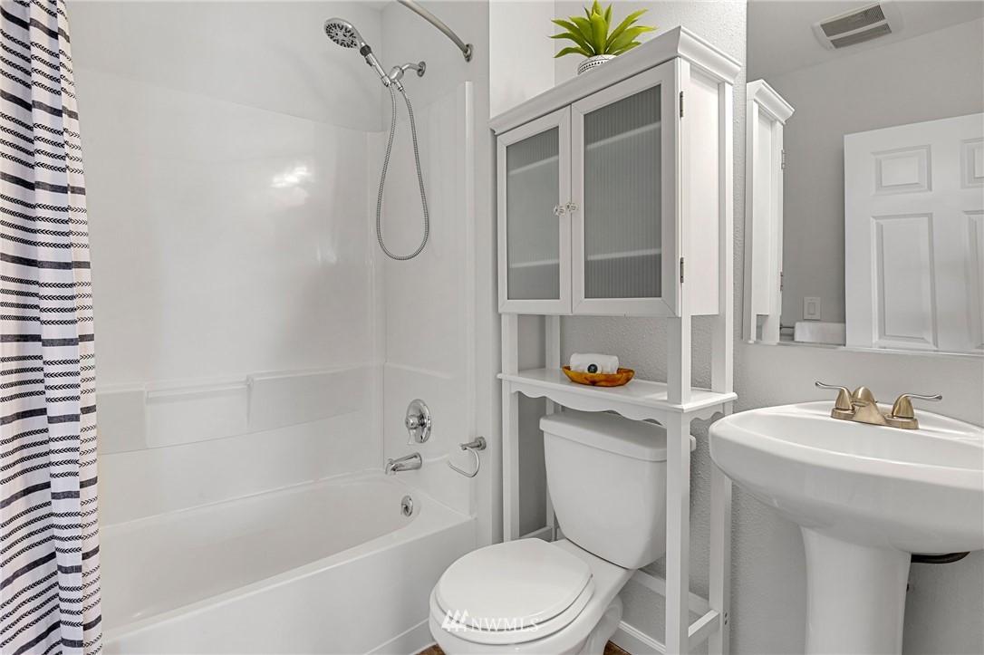 Sold Property | 9315 48th Avenue S Seattle, WA 98118 19