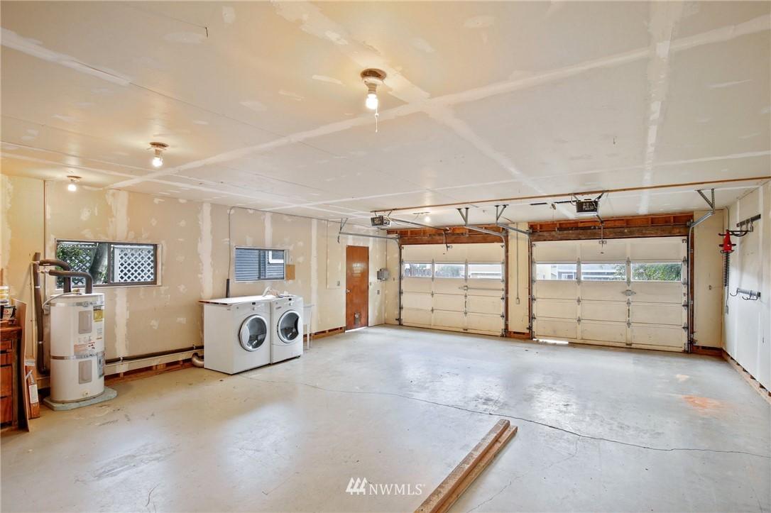 Sold Property | 9315 48th Avenue S Seattle, WA 98118 21