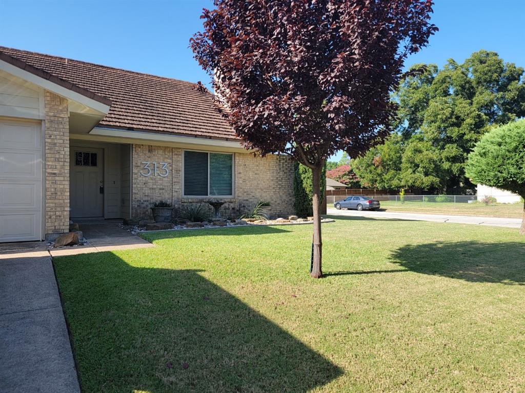 Pending | 313 W Ash Lane Euless, Texas 76039 0