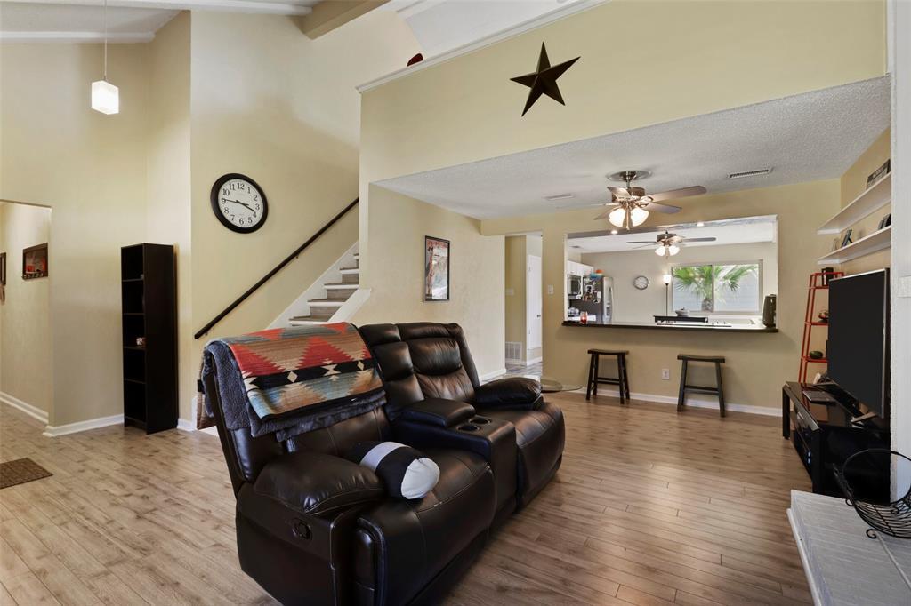 Pending | 313 W Ash Lane Euless, Texas 76039 10