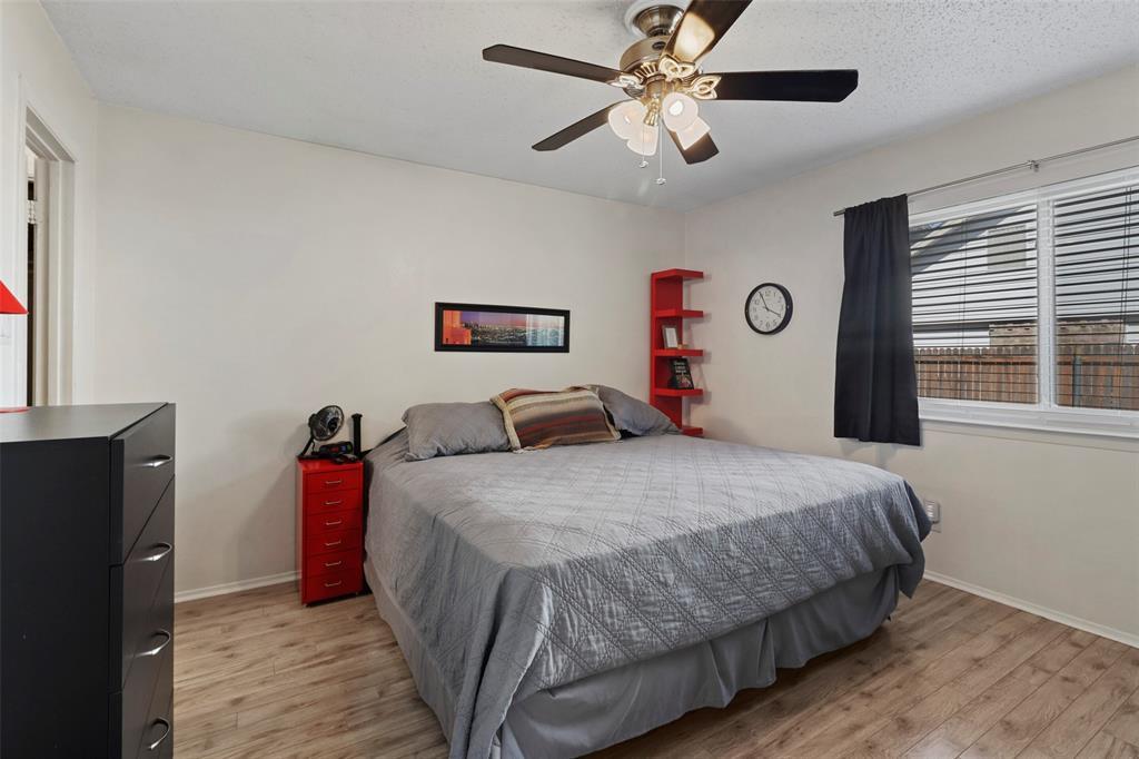 Pending | 313 W Ash Lane Euless, Texas 76039 21
