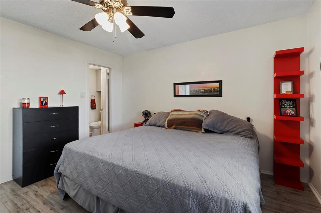 Pending | 313 W Ash Lane Euless, Texas 76039 22