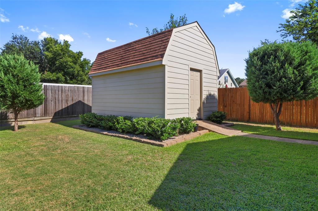 Pending | 313 W Ash Lane Euless, Texas 76039 39