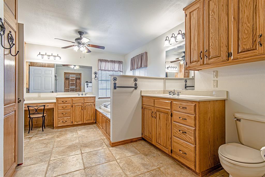 Active | 1084 County Road 154 Burkett, Texas 76828 19