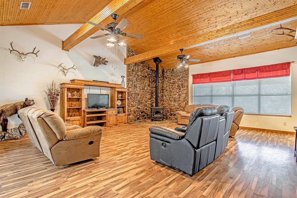 Active | 1084 County Road 154 Burkett, Texas 76828 7